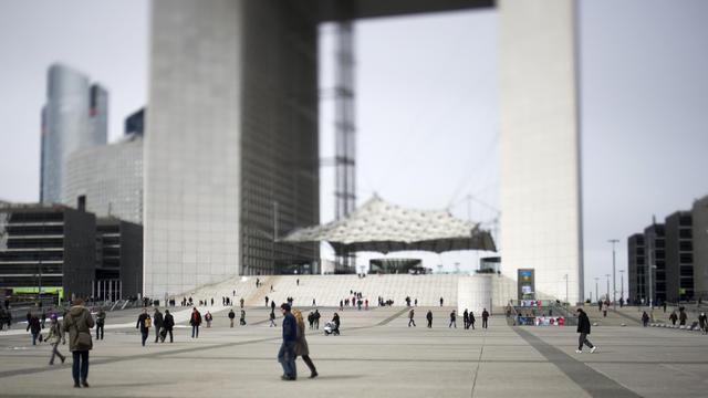 La Grande Arche dans le quartier des affaires à La Défense à Paris [Fred Dufour / AFP/Archives]
