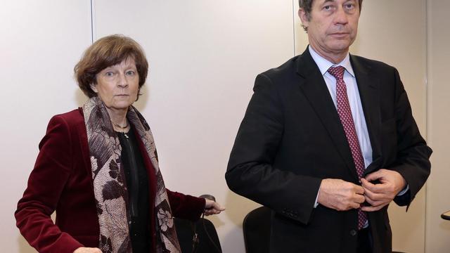 Yannick Moreau, présidente de la commission d'experts (d) et Jean-Denis Combrexelle, directeur général, le 29 mars 2013 à Paris [Jacques Demarthon / AFP/Archives]