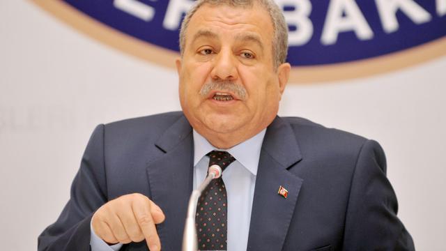 Le ministre turc de l'Intérieur Muammer Güler le 18 avril 2013 à Istanbul [Ozan Kose / AFP/Archives]
