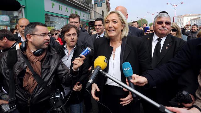 La présidente du Front National Marine Le Pen en déplacement le 4 mai 2013 à Villeneuve-sur-Lot [Nicolas Tucat / AFP/Archives]