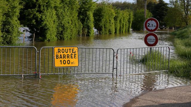 Une route inondée le 6 mai 2013 à Migennes dans le centre de la France [Thomas Samson / AFP/Archives]