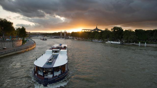 Une bateau touristique sur la Seine [Martin Bureau / AFP/Archives]