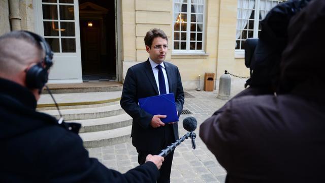 Le chef du PS du Lot-et-Garonne Matthias Fekl quitte Matignon, après une rencontre avec le Premier ministre Jean-Marc Ayrault, le 14 mai 2013 à Paris [Martin Bureau / AFP/Archives]