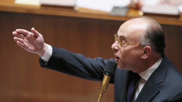 Le ministre du Budget Bernard Cazeneuve, le 15 mai 2013 à l'Assemblée nationale [Patrick Kovarik / AFP]
