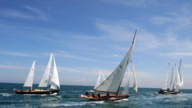 Des bateaux Pen Duick participent à un rassemblement à Saint-Quay-Portrieux, en Bretagne, le 17 mai 2013 [Fred Tanneau / AFP]