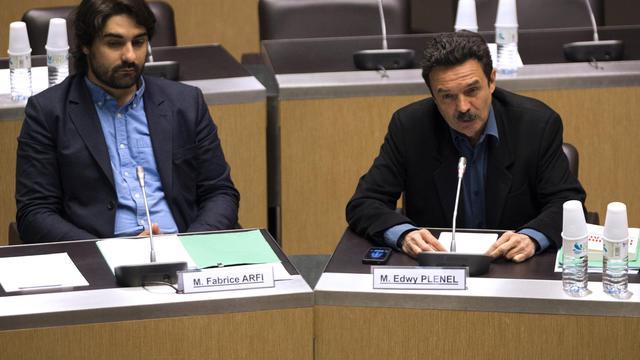 Le fondateur de Mediapart Edwy Plenel (d) répond à la commission d'enquête sur l'affaire Cahuzac, le 21 mai 2013 à l'Assemblée nationale [Joel Saget / AFP]