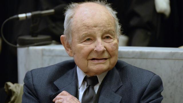 Jacques Servier, fondateur du groupe éponyme, au tribunal de Nanterre le 21 mai 2013 [Lionel Bonaventure / AFP/Archives]