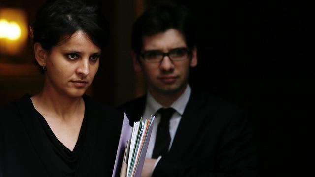 Najat Vallaud-Belkacem, porte-parole du gouvernement, quitte Matignon, à Paris, le 22 mai 2013 [Kenzo Tribouillard / AFP]