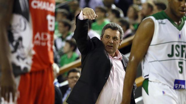 L'entraîneur de Nanterre Pascal Donnadieu, le 22 mai 2013 face à Chalon-sur-Saône en demi-finale de ProA [Kenzo Tribouillard / AFP/Archives]