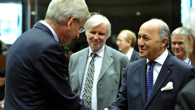 Le ministre français des Affaires étrangère Laurent Fabius (D), à Bruxelles le 27 mai 2013 [Georges Gobet / AFP]
