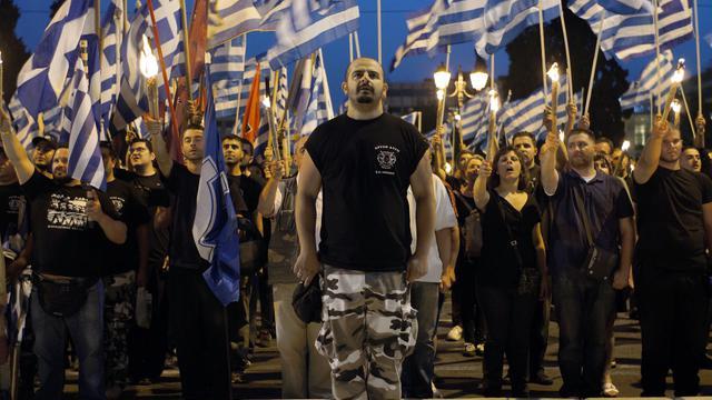 Des militants du parti néonazi Aube Dorée devant le Parlement à Athènes le 29 mai 2013 [ / AFP]
