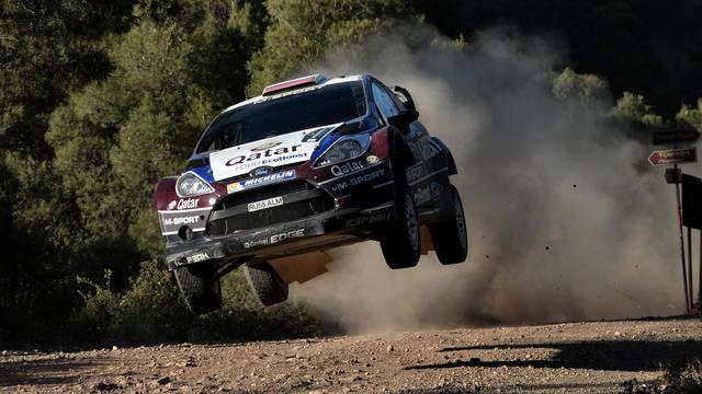 La Ford Fiesta du Russe Evgueny Novikov, lors du rallye de l'Acropole, le 31 mai 2013 à l'ouest d'Athènes [Aris Messinis / AFP]