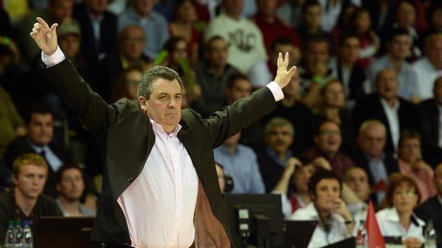 Pascal Donnadieu , le coach de Nanterre, contre Strasbourg en finale du Championnat de France de basket le 31 mai 2013 à Strasbourg [Patrick Hertzog / AFP/Archives]