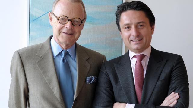 Axel Dumas (droite), nouveau co-gérant d'Hermès avec Patrick Thomas (gauche), le 3 juin 2013 à Paris [Eric Piermont / AFP]