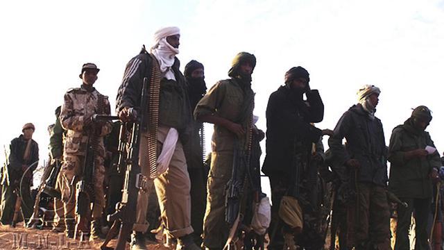 Photo fournie par le MNLA le 2 avril 2012 montrant des combattants du mouvement dans un lieu non-communiqué du Mali [ / MNLA/AFP/Archives]