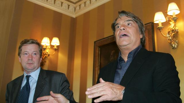 Bernard Tapie et son avocat Maurice Lantourne le 10 octobre 2006 à Paris [Dominique Faget / AFP/Archives]