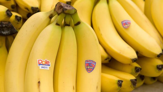Le producteur américain de bananes et d'ananas Dole Food Company a annoncé jeudi l'abandon de 38 actions en justice intentées à son encontre aux Etats-Unis et au Nicaragua par d'anciens salariés se plaignant des conséquences pour leur santé d'un pesticide désormais banni.[AFP]