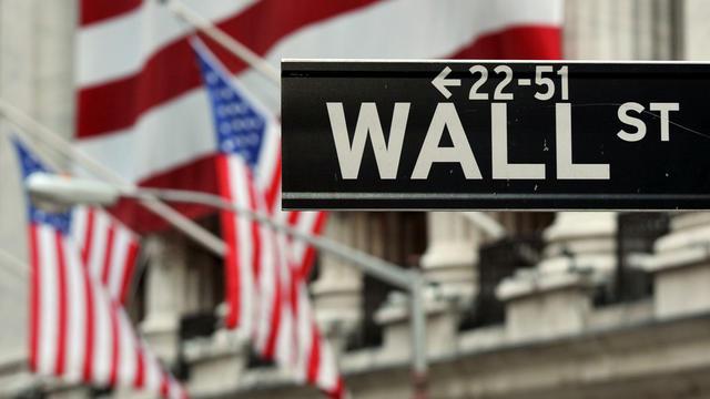 Un panneau indiquant Wall Street [Stan Honda / AFP/Archives]