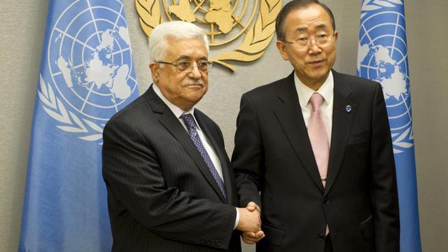 Le président palestinien Mahmoud Abbas et le secrétaire général de l'ONU Ban Ki-Moon, le 26 septembre à l'ONU à New York [Don Emmert / AFP]