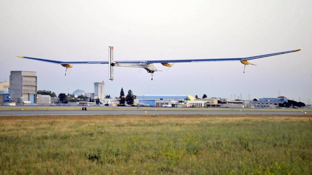 L'avion Solar Impulse décolle de Moffett le 3 mai 2013 [Josh Edelson / AFP]