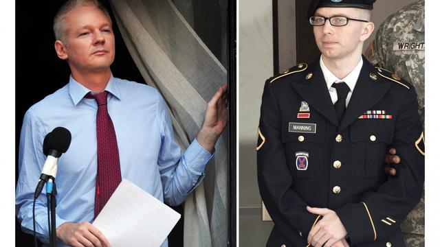 Montage de deux photos montrant le fondateur de WikiLeaks Julian Assange etBradley Manning, le soldat américain accusé d'être à l'origine de la fuite, au profit du site internet [ / AFP/Archives]