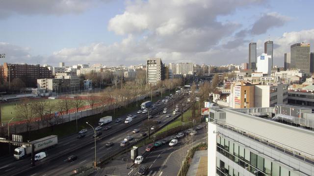 Des logements en bordure du périphérique parisien [Joel Robine / AFP/Archives]