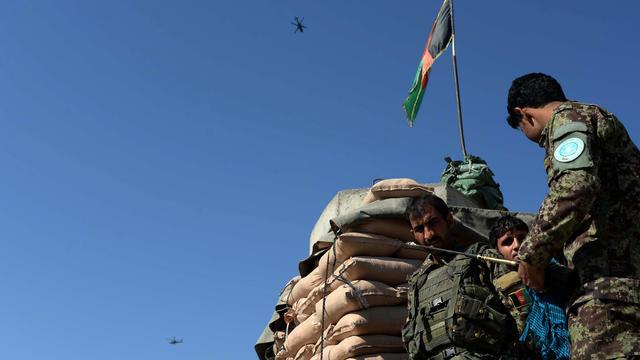 Des soldats de l'armée afghane à Jalalabad en octobre 2015