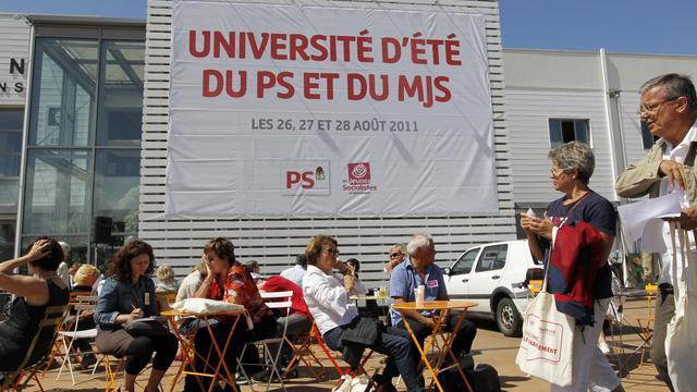 Des militants lors des universités d'été du PS à La Rochelle en 2011.