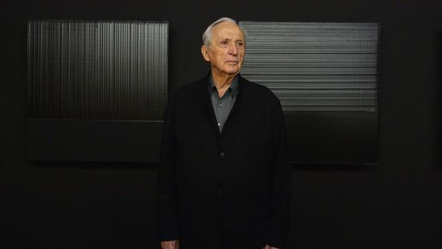 Pierre Soulages est très connu pour son amour de la peinture noire