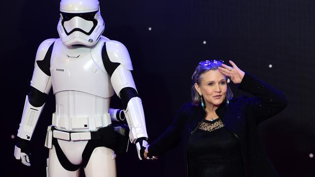 Carrie Fisher est décédée à l'âge de 60 ans, le 27 décembre 2016, des suites d'une violente crise cardiaque.