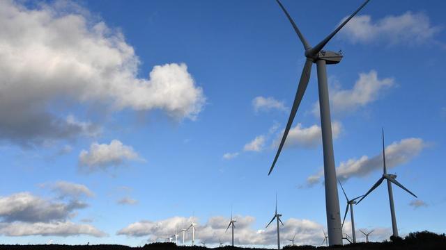 Le développement des énergies renouvelables, telles que l'éolien, fait partie du programme de plusieurs partis.