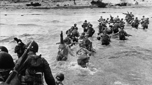 Quelque 156 000 hommes ont été déployés sur les plages normandes lors du Débarquement allié du 6 juin 1944.