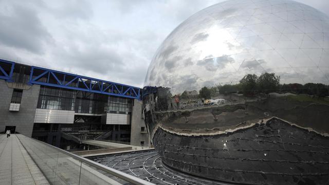 Une vue de la Cité des Sciences et de l'Industre et de la Géode, à La Villette à Paris [Johanna Leguerre / AFP/Archives]