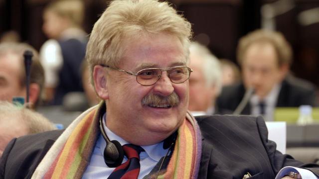 L'Allemand Elmar Brok, ici au Parlement européen à Strasbourg en 2006, est le seul eurodéputé à avoir siéger lors des huit législatures.