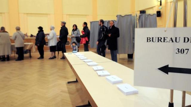 Bureau de vote : un accueil plus froid à paris quen province www