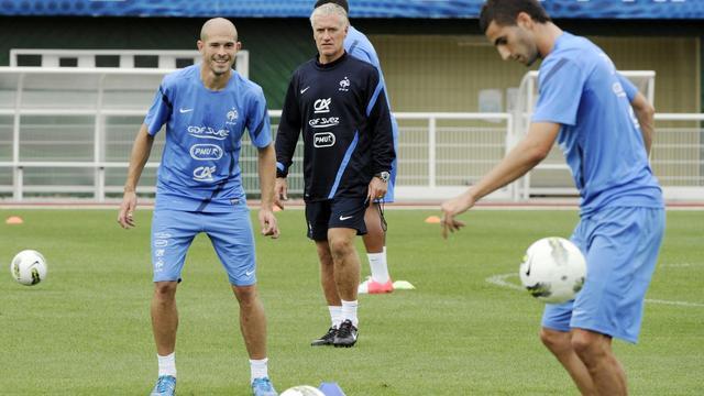 Didier Deschamps suivra-t-il les traces d'Aimé Jacquet dernier sélectionneur de la France à avoir remporté son premier test ?