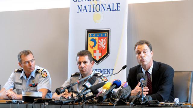 Le Colonel Benoit Vinneman, le lieutenant colonel Bertrand François et le procureur de la République d'Annecy Eric Maillaud, le 6 septembre 2012
