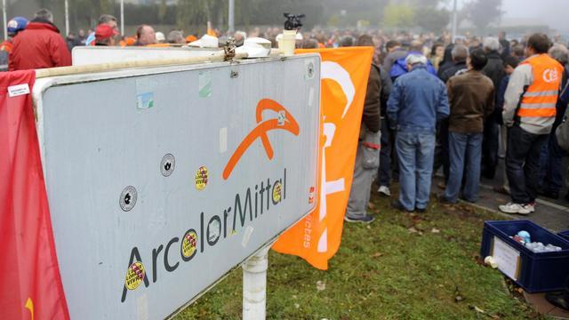 Les salariés ArcelorMittal de Florange le 1er octobre 2012.[JEAN-CHRISTOPHE VERHAEGEN / AFP]