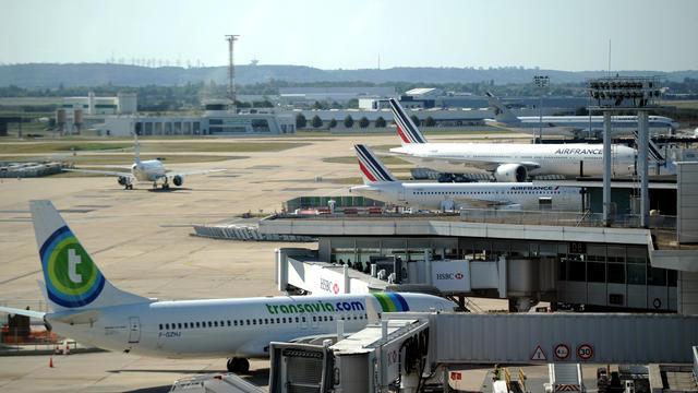 Avec 2.500 habitants au km2, l'aéroport d'Orly (Val-de-Marne) est le plus enclavé en ville d'Europe.