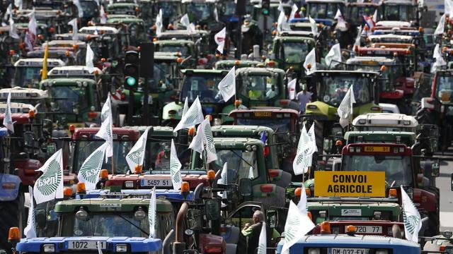 Neuf autoroutes et quatre nationales seront bloquées aux entrées de Paris dès 6h du matin.