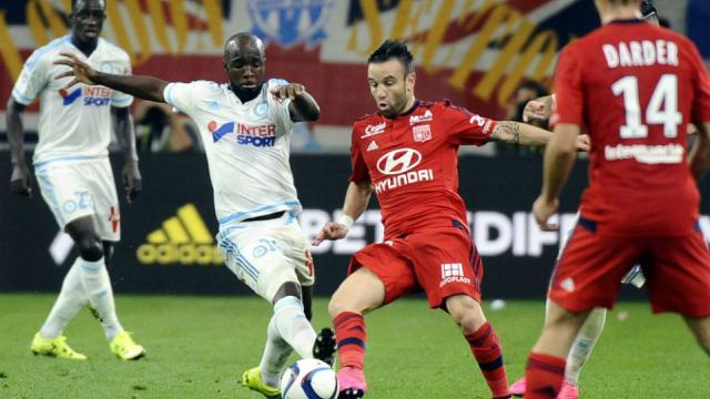 6f247b3736673 Mathieu Valbuena a été la cible des supporters marseillais pendant la  rencontre entre l'OM et l'OL.[FRANCK PENNANT / AFP]