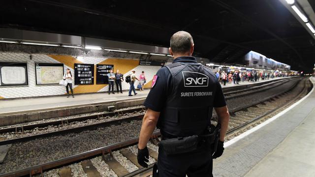 Une présence policière qui serait à l'origine d'une baisse de la présence de dealers et de consommateurs dans les transports parisiens.