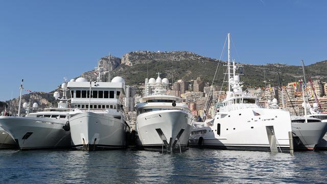 Des yachts sur le port de Monaco