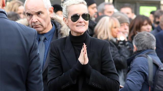 Jean-Claude Camus a évoqué la période difficile que traverse Laeticia Hallyday, six mois après le décès de son mari, des suites d'un long combat contre le cancer.