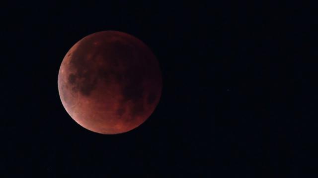 Eclipse de lune vue depuis Los Angeles le 31 janvier 2018 [Robyn Beck   / AFP/Archives]