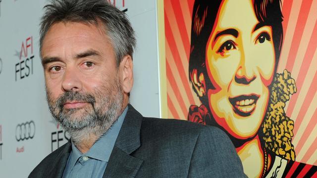 """Luc Besson lors de la présentation de son film """"The Lady"""", le 4 novembre 2011 à Hollywood [Alberto E. Rodriguez / Getty Images/AFP/Archives]"""