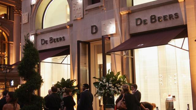 Ouverture de la boutique De Beers à New York le 22 juin 2005 [Evan Agostini / Getty Images/AFP/Archives]