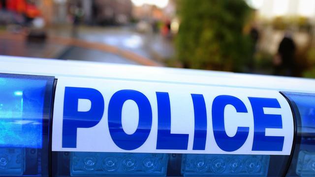 Un homme s'est présenté mardi matin au commissariat de Lannion (Côtes-d'Armor) pour s'accuser du meurtre de sa femme et de sa mère à coups de marteau [Philippe Huguen / AFP/Archives]