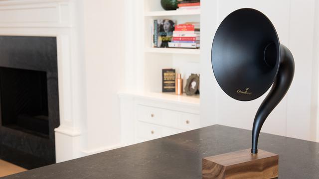 Une vague d'objets au design néo-rétro gagne les appareils hi-fi.