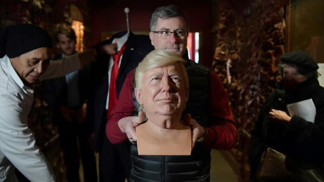 La tête du personnage de cire à l'effigie de Donald Trump, le 19 janvier 2017 au musée Grévin à Paris [CHRISTOPHE ARCHAMBAULT / AFP]